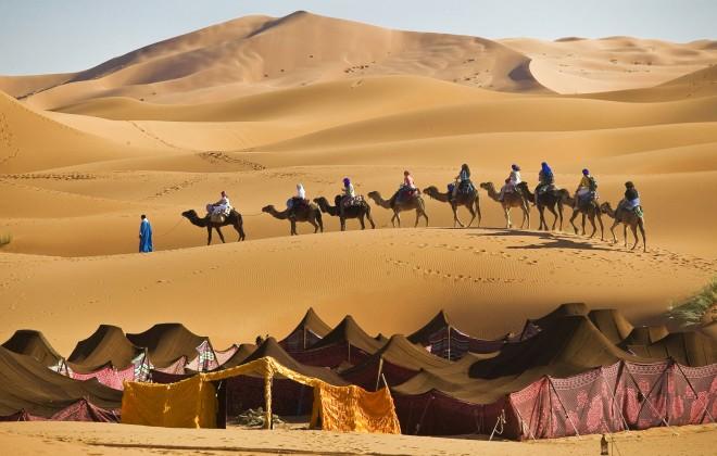 ימין ושמאל רק חול וחול. דיונות חול מרהיבות במרזוגה, מרוקו