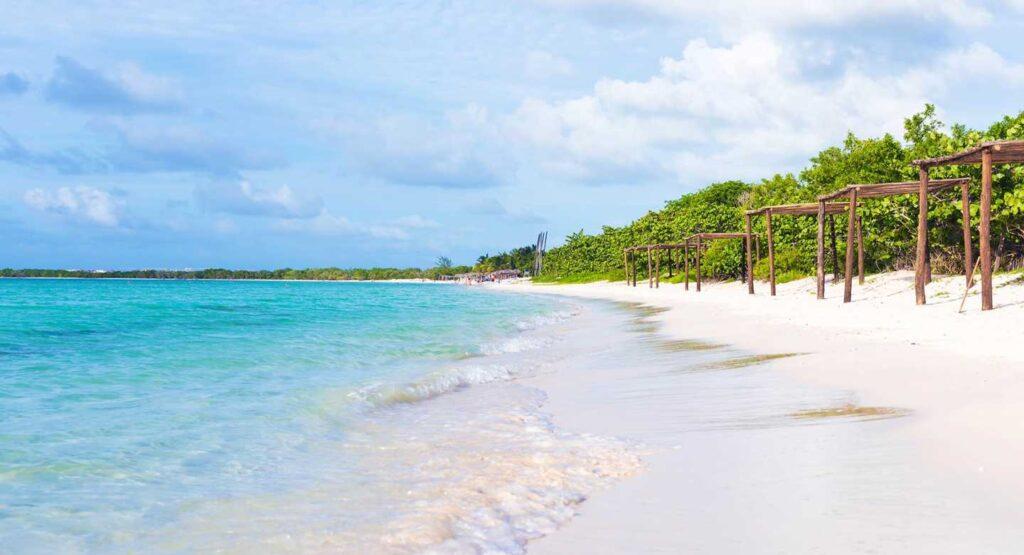 מה עוד הבנאדם צריך. חוף קאיו קוקו בקובה